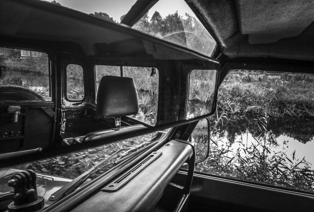 Land Rover Defender mirrorview